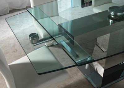 tavolo-design-moderno-piano-vetro-gambe-acciaio-inox-3